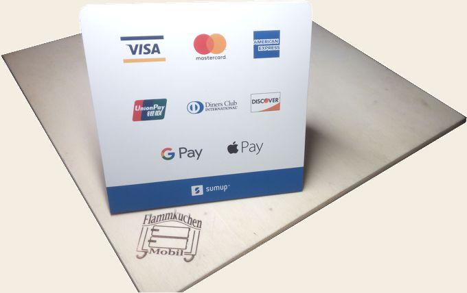 Logos, Darstellung der Bezahlmöglichkeiten mit Kreditkarte über SumUp-Kartenlesegerät